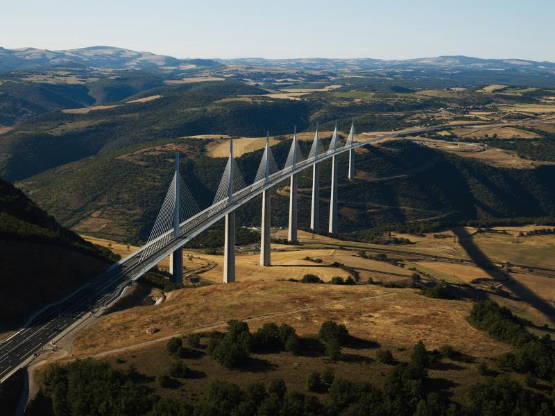 Viaduc de Millau, l'un des grands sites de Midi-Pyrénées