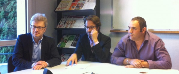 de droite à gauche : Thomas Simonian, Rémi Demersseman-Pradel et CLE (conférence de presse du 16 avril 2014 à l'URSCOP, photo S. Thépot)